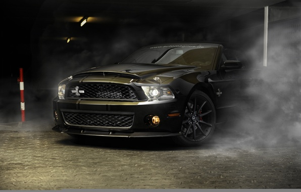 Картинка car, авто, полосы, черный, дым, Ford, mustang, мустанг, кобра, спорткар, sportcar, shelby, шелби, gt500