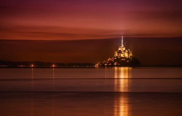 Картинка море, небо, ночь, огни, замок, Франция, Нормандия, Мон-Сен-Мишель