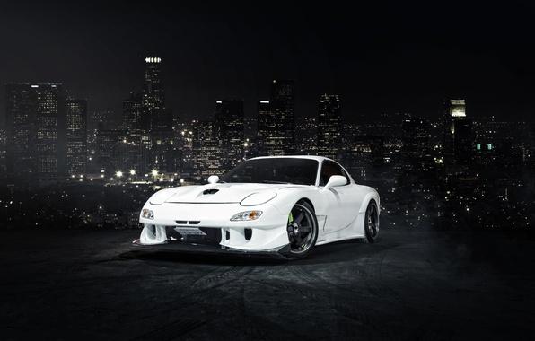 Картинка город, белая, перед, Mazda, white, небоскрёбы, front, мазда, RX-7
