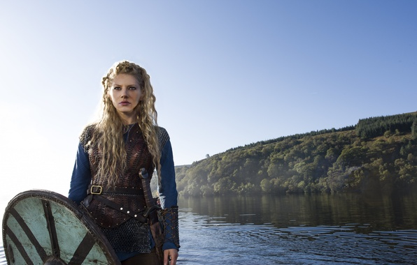 Картинка меч, сериал, щит, Vikings, Викинги, Katheryn Winnick