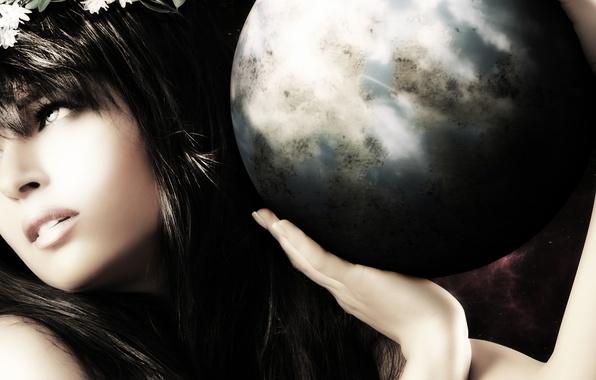 Картинка взгляд, девушка, лицо, земля, волосы, шар, руки, губы, профиль, богиня