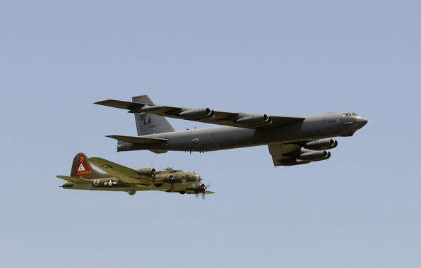 Картинка Boeing, бомбардировщик, стратегический, B-17, четырёхмоторный, тяжёлый, Flying Fortress, B-52, Stratofortress, «Летающая крепость»