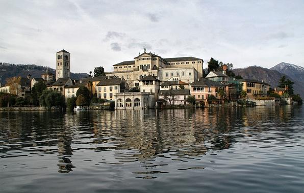 Картинка небо, деревья, горы, башня, дома, Италия, озеро Орта, остров Сан-Джулио