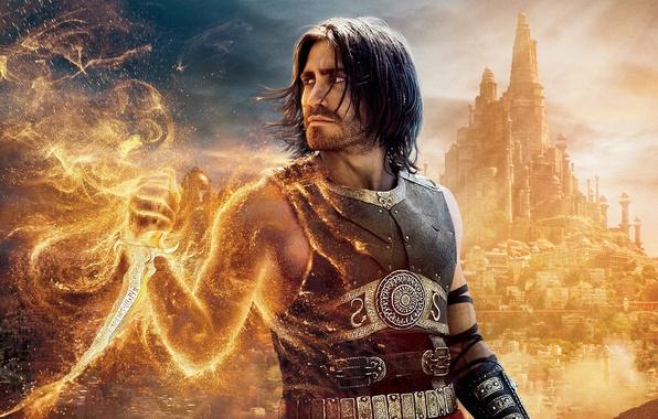 Картинка песок, город, огонь, кино, башни, кинжал, Prince of Persia, Принц Персии, солнечные лучи, купола, Пески …