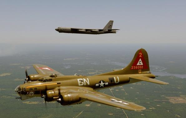 Картинка полет, Boeing, бомбардировщик, стратегический, B-17, четырёхмоторный, тяжёлый, Flying Fortress, B-52, Stratofortress, «Летающая крепость»