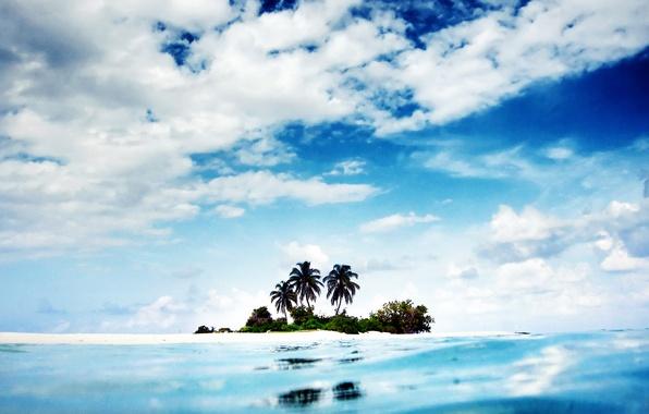 Картинка небо, вода, облака, пейзаж, пальмы, океан, остров, Природа, sky, ocean, landscape, nature, water, 1920x1200, clouds, …