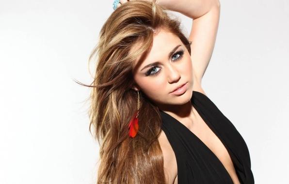 Miley cyrus makeup 2010