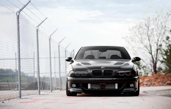 Картинка car, машина, обоя, тюнинг, bmw, бмв, черная, стоит, автомобиль, black, auto, tuning, wallpapers, бумер, vossen, …