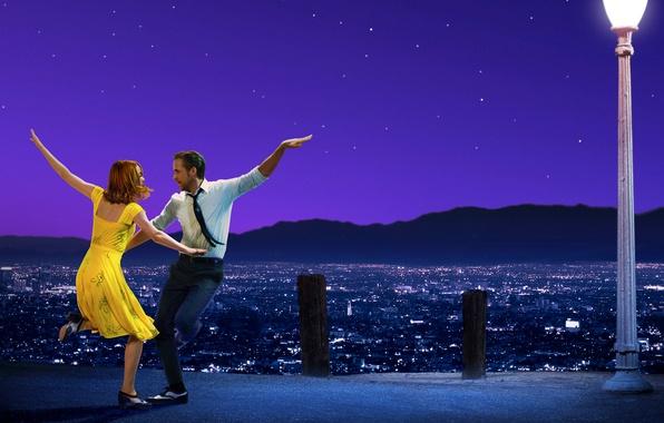 Картинка небо, девушка, звезды, горы, ночь, город, огни, танец, пара, костюм, панорама, фонарь, парень, мелодрама, постер, …