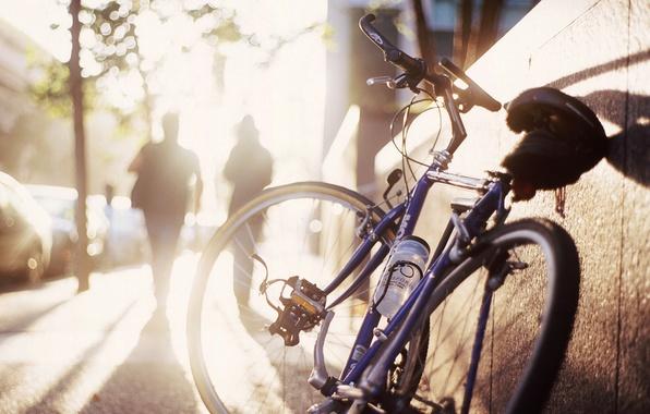 Картинка солнце, велосипед, улица, утро, тени, тротуар, силуэты, боке