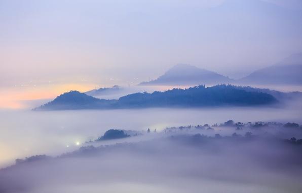 Картинка пейзаж, горы, город, туман