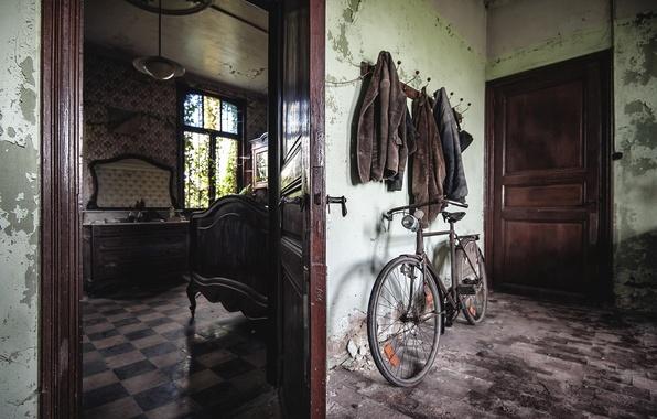 Картинка велосипед, комната, дверь