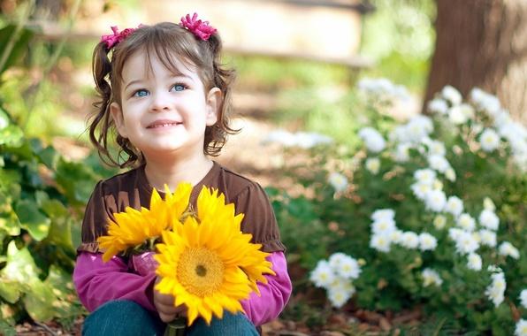 Картинка взгляд, листья, радость, подсолнухи, цветы, природа, дети, лицо, улыбка, фон, обои, настроения, ромашки, девочка, цветочки, ...
