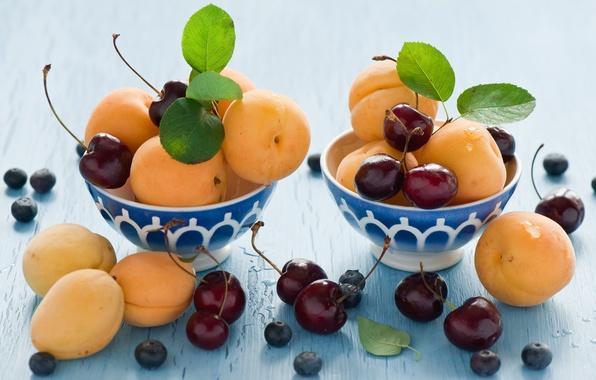 Картинка черника, фрукты, абрикос, черешня, листики, миски