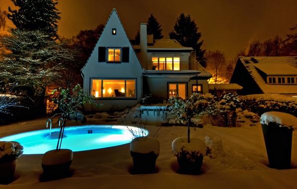 Картинка зима, бассейн, свет в окнах, зимний вечер