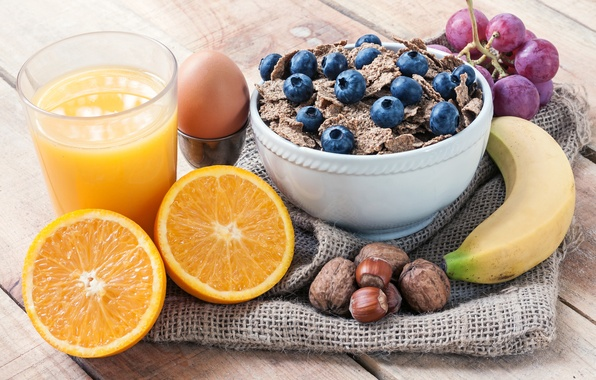 Картинка стакан, яйцо, апельсин, черника, сок, виноград, орехи, натюрморт, банан, мюсли