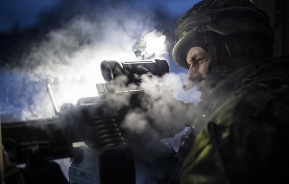 Картинка солдат, стрельба, light machine gun