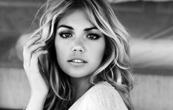 Картинка eyes, model, lips, look, Kate Upton, black&white, freckles
