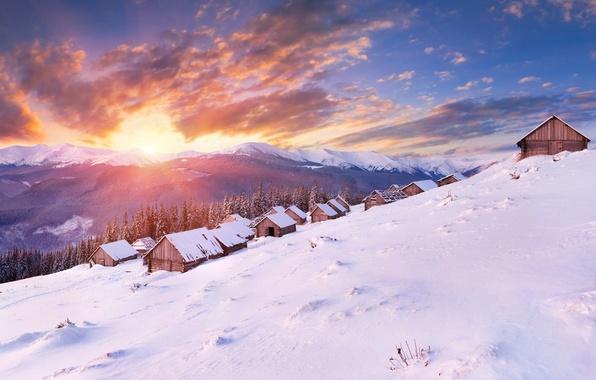 Картинка холод, зима, лес, солнце, облака, снег, пейзаж, горы, природа, обои, дома, панорама, wallpaper