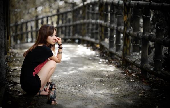 Картинка улица, грустный взгляд, азиатка