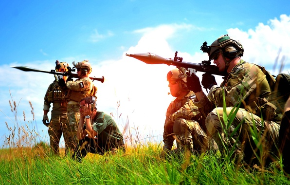Картинка поле, небо, оружие, Солдаты, РПГ, базуки