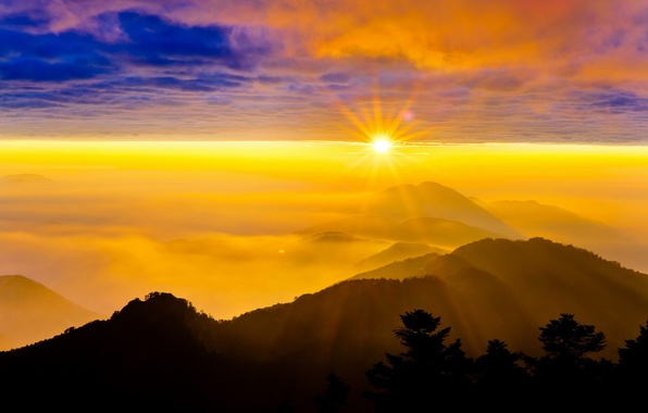Обои картинки фото горы закат небо