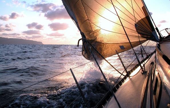 Картинка море, волны, небо, пена, вода, брызги, океан, ветер, widescreen, настроения, лодка, пейзажи, корабль, корабли, яхта, …