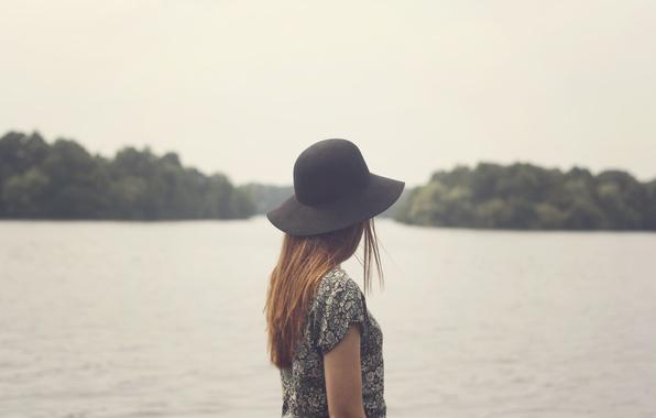 Картинка girl, hat, lake, hair