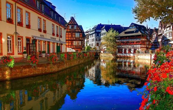 Картинка цветы, река, Франция, здания, дома, канал, ресторан, отель, архитектура, Страсбург, France, Strasbourg