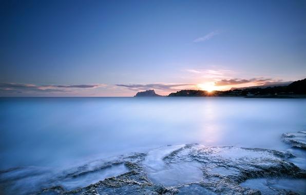 Картинка небо, вода, солнце, облака, свет, закат, гладь, синева, океан, берег, Море, вечер