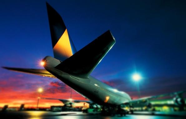 Картинка Огни, Ночь, Аэропорт, Boeing, самолёт, Боинг, 747
