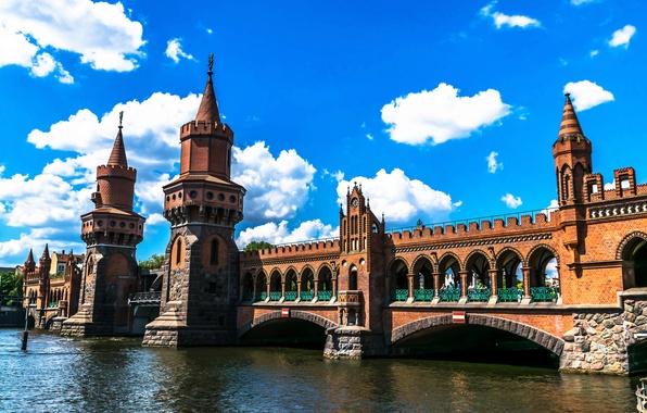 Картинка небо, облака, мост, дизайн, река, Германия, башни, архитектура, Берлин