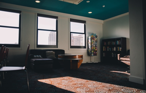 Картинка стол, комната, диван, стены, окно, квартира, столик