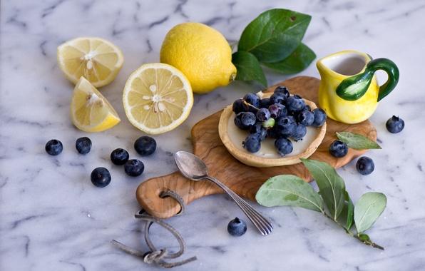 Картинка ягоды, ложка, пирожное, листочки, натюрморт, лимоны, голубика