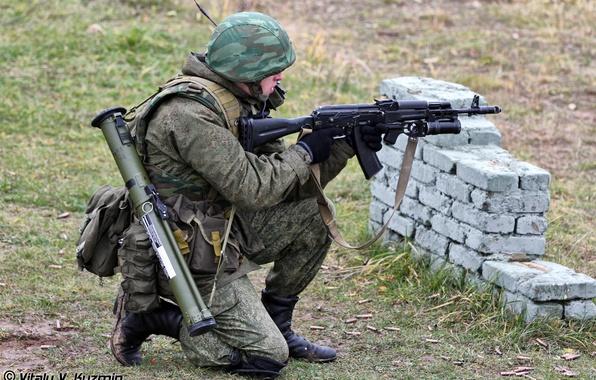 Картинка лес, солдат, камуфляж, боец, каска, стрельбище, Русский