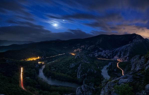 Картинка дорога, лес, облака, деревья, горы, ночь, река, камни, луна, небо.звезды