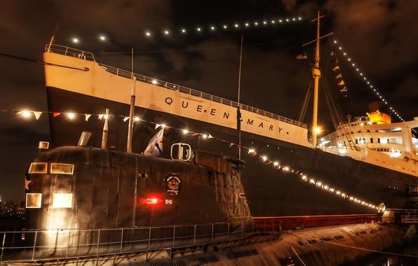 Картинка ночь, огни, корабль, причал, субмарина, США, лайнер, подводная лодка, California, Queen Mary, Orange County