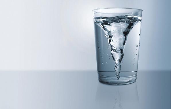 stakan-voda-vodovorot.jpg