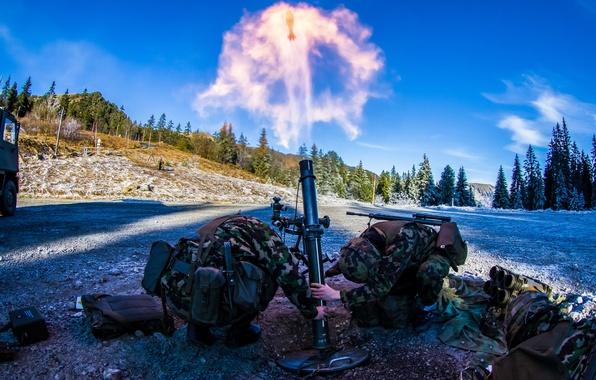 Картинка оружие, выстрел, солдаты, миномёт
