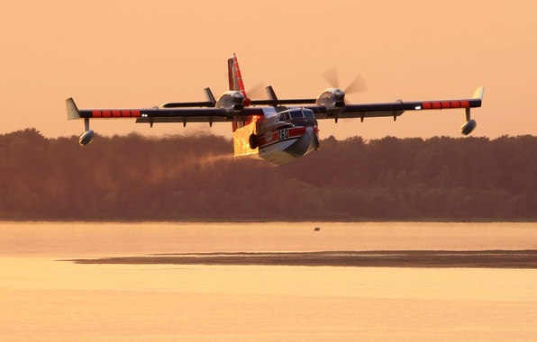 Картинка вода, полет, самолет, Bombardier, амфибия