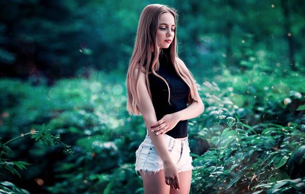 Картинка Girl, Nature, Green, Summer, Shorts, Yana