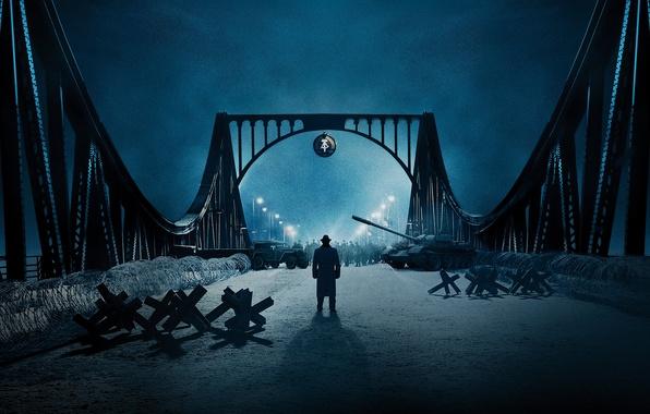 Картинка ночь, мост, огни, фонари, танк, постер, драма, военный, колючая проволока, Том Хэнкс, Tom Hanks, заслон, …