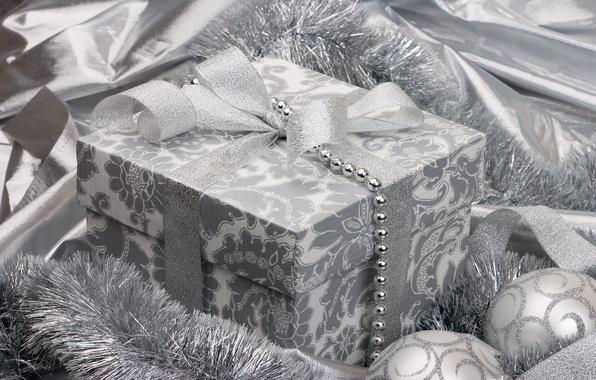 Картинка праздник, подарок, шары, черно-белый, игрушки, серебро, новый год, серебристый, лента, мишура, бантик, ленточка, happy new …