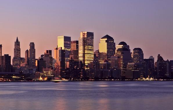 Картинка закат, огни, река, здания, Нью-Йорк, небоскребы, вечер, подсветка, USA, США, Манхэттен, New York, Manhattan, округ