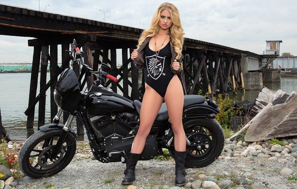Картинка девушка, черный, модель, playboy, блондинка, мотоцикл, girl, байкер, байк, хардкор, model, playboyplus, байкерша, Maya Rae