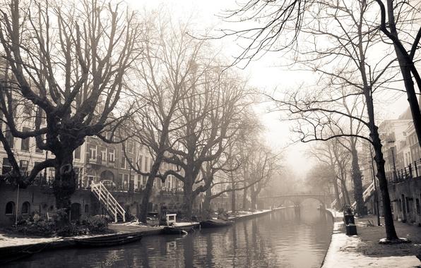 Картинка зима, снег, деревья, мост, город, река, фото, фон, обои, улица, белое, здания, дома, черное, Амстердам, …