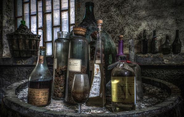Картинка фон, бокал, бутылки