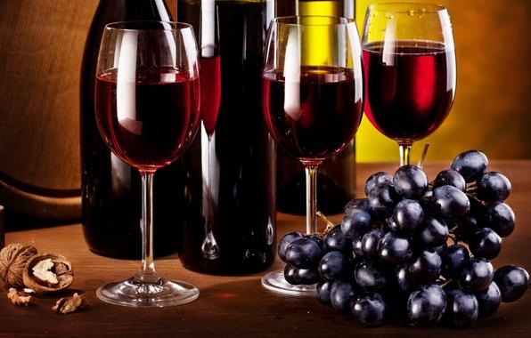 Картинка вино, орех, бокалы, виноград, гроздь, бутылки, кисть