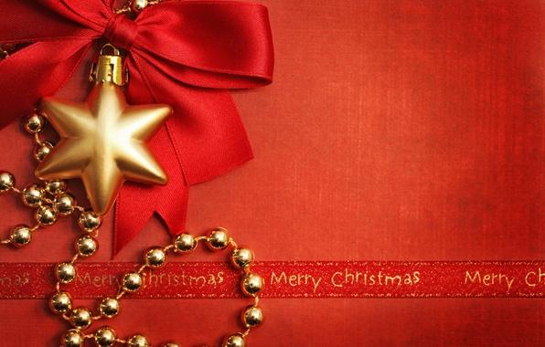 Картинка украшения, праздник, игрушка, звезда, Новый Год, Рождество, лента, бусы, бант, Christmas, красный фон, золотые, New …