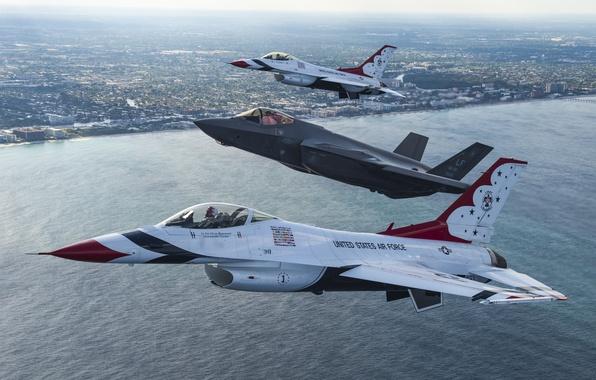 Картинка море, полет, город, истребители, F-16, Thunderbird, F-35A